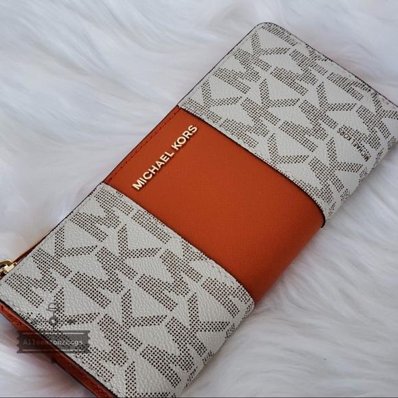 88bd5fa839e125 Michael Kors Bags | Nwt Jet Set Center Stripe Wallet | Poshmark